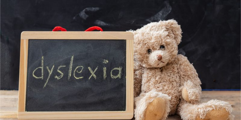 signs of dyslexia in 5 year old